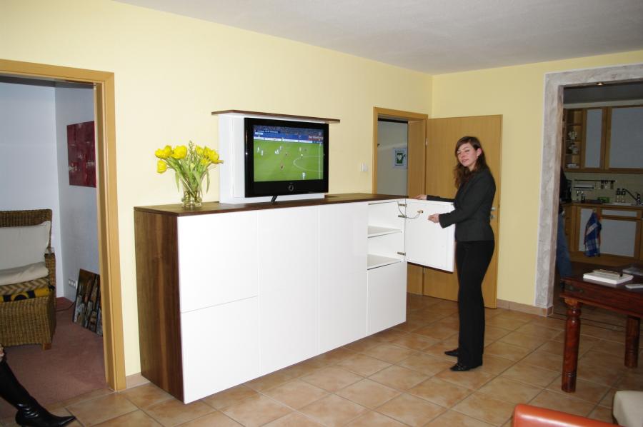 beautiful tv lift m bel gallery. Black Bedroom Furniture Sets. Home Design Ideas